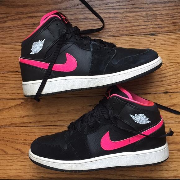 official photos d703d 2f012 Nike Air Jordan 1 Mid Retro (Kids) - Size 5.5